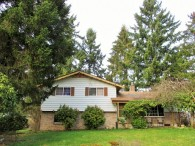 Incredible Tri-Level Puyallup Home