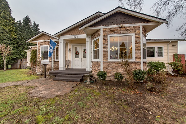 Spacious Downtown Puyallup Home